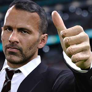 PES 2021 Season Update coach