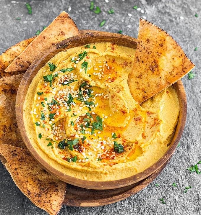Hummus with Organic Pita Chips